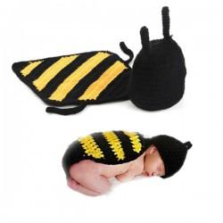 Mon premier ensemble des Premiers ensembles nouveaux nés de Choupinet Bonnet Abeille de taille 0-12Mois sur Promo Couches